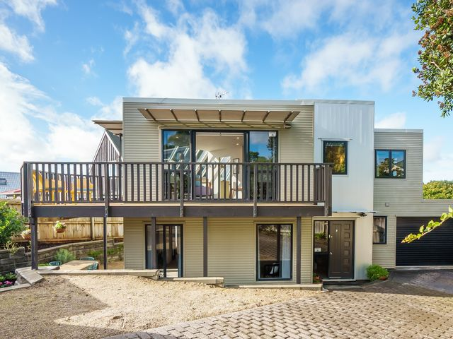 2/236 Meola Road Point Chevalier