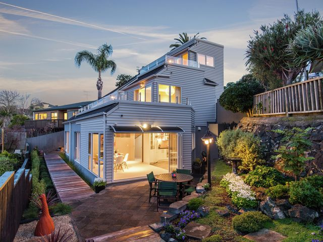 99A Queen Street Northcote Point