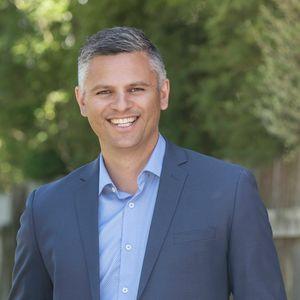 Photo of Damien  Pivac