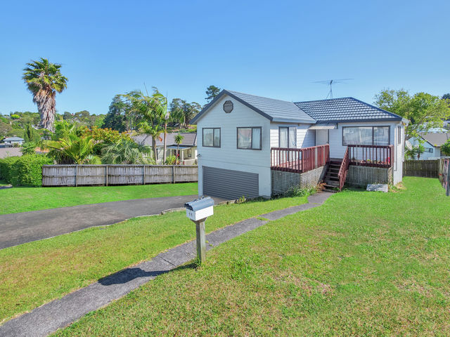11 Loughanure Place Massey